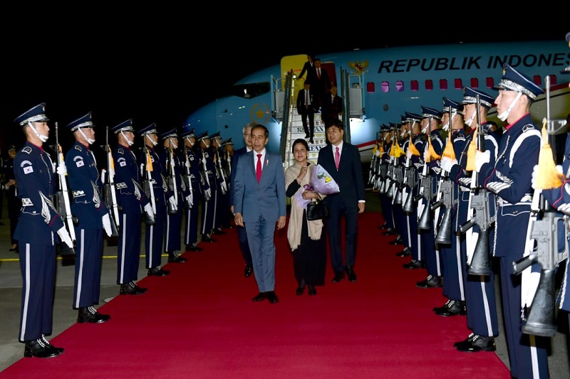 Presiden Jokowi Tiba di Busan