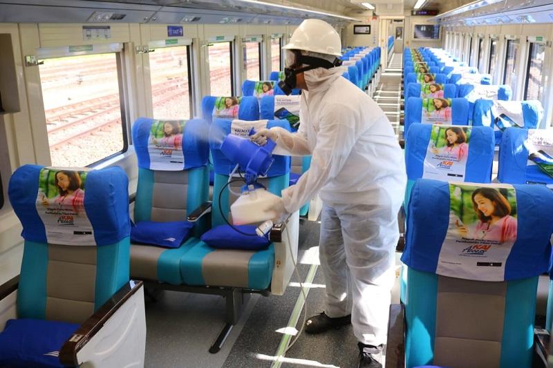 Terapkan Protokol Kesehatan, Naik Kereta Api Aman Selama Pandemi Covid-19