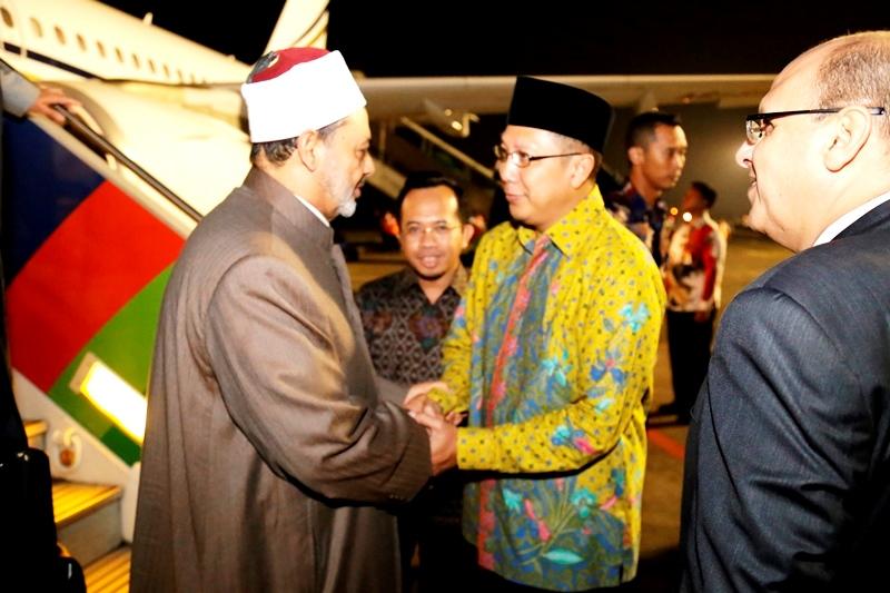 Menag Sambut Kedatangan Grand Syaikh Al-Azhar Di Jakarta