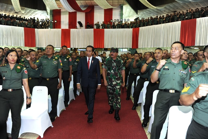 Presiden Tegaskan Pentingnya Peran Babinsa di Desa-desa