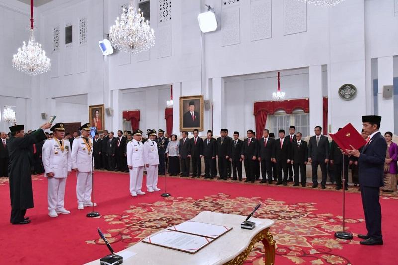 Presiden Jokowi Lantik Gubernur dan Wakil Gubernur Sumsel serta Kaltim