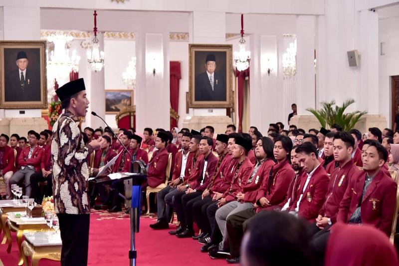 Bertemu Mahasiswa, Presiden Tekankan Pentingnya Konektivitas Antardaerah di Indonesia