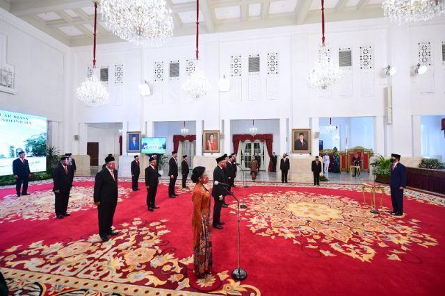 Presiden Jokowi Lantik 20 Duta Besar RI untuk Negara Sahabat