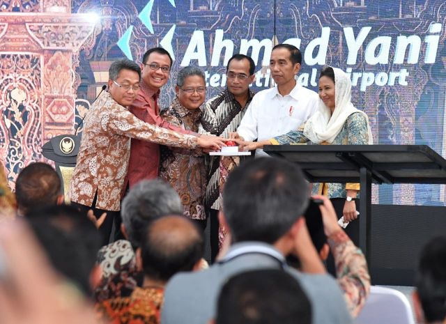 Presiden Resmikan Bandara Apung Ahmad Yani di Semarang