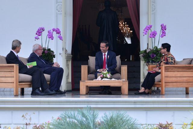 Presiden Menerima Kunjungan Kehormatan Menlu Palestina