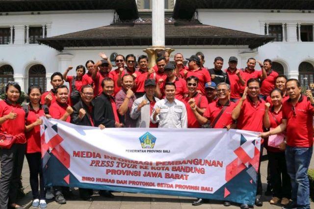 Belajar dari Jawa Barat, Penuhi Kebutuhan Informasi Bagi Generasi Millennial