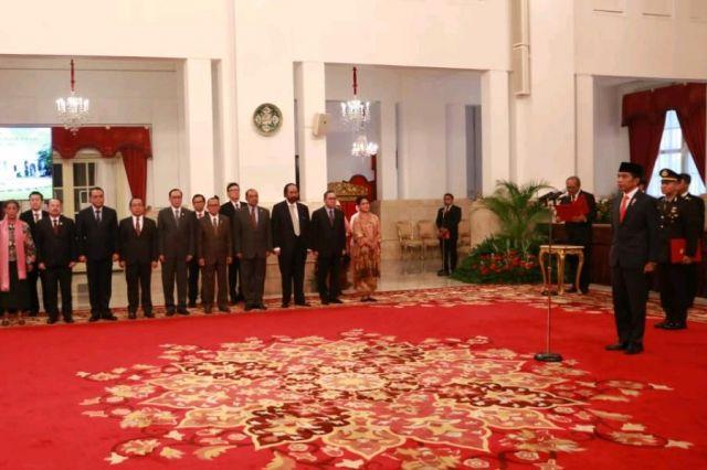 Presiden Joko Widodo Lantik Gubernur dan Wakil Gubernur Maluku Di Istana Negara